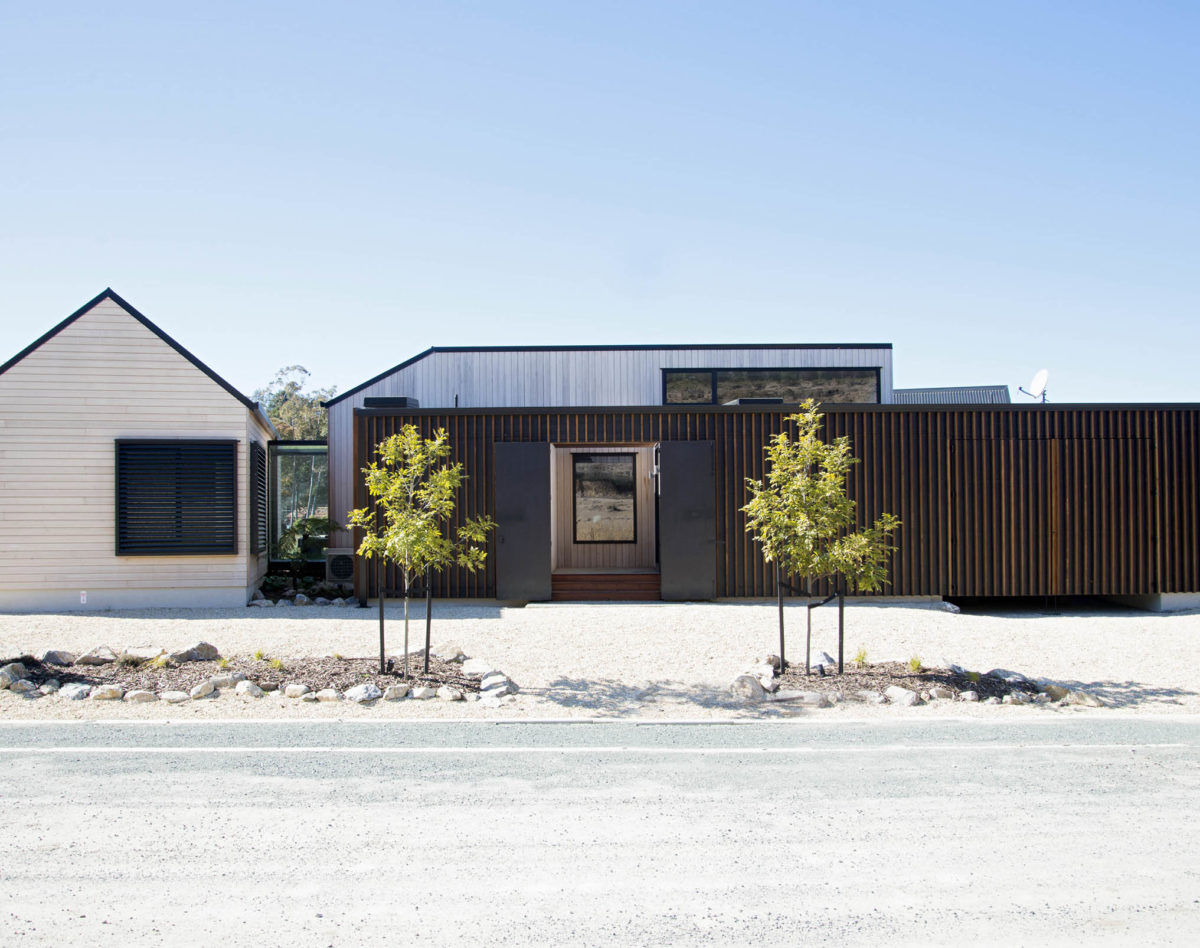 Kaiteriteri Family Bach - Vulcan Cladding and Vulcan Screening - Abodo Wood - feature image